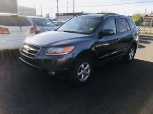 2009 Hyundai Santa Fe AWD, Leather Heated Seats, Sunroof, Active
