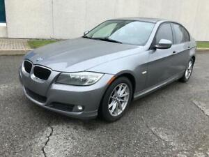2010 BMW 323 I | ACCIDENT FREE|SUNROOF|LEATHER|DUAL CLIMATE!