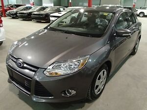 2013 Ford Focus SE AUT0 (LEATHER, SUNROOF, LOADED!!!) SUPER MINT