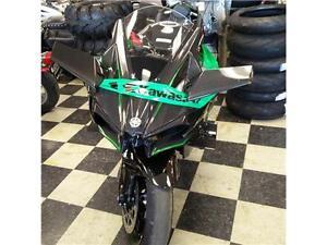 Demo Kawasaki H2R 160km !  300 HP, premiere paiement Avril 2017