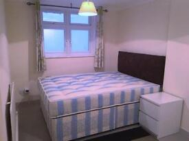 2 bedroom flat in Greyhound Road, Hammersmith