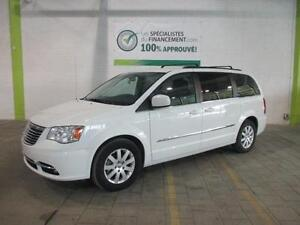 2016 Chrysler Town & Country Touring  $$87/SEMAINE