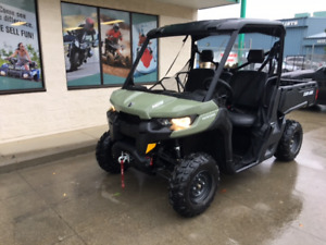 2017 Can-Am Defender, only 156 kms for only $89 bi-weekly!!