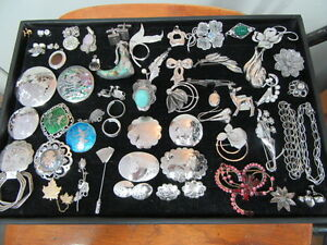 Wanted - Cash Paid - Good Quality Vintage Costume Jewellery London Ontario image 2