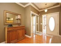 Beautiful 2 bdrm + den townhouse in Signal Hill (SW) - Oct. 1st