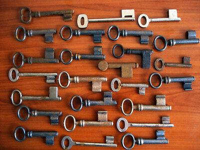 25 x alte Schlüssel mit breitem Bart Eisenschlüssel old keys lot