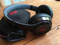 Beats Solo 2 Wireless Black Headphones