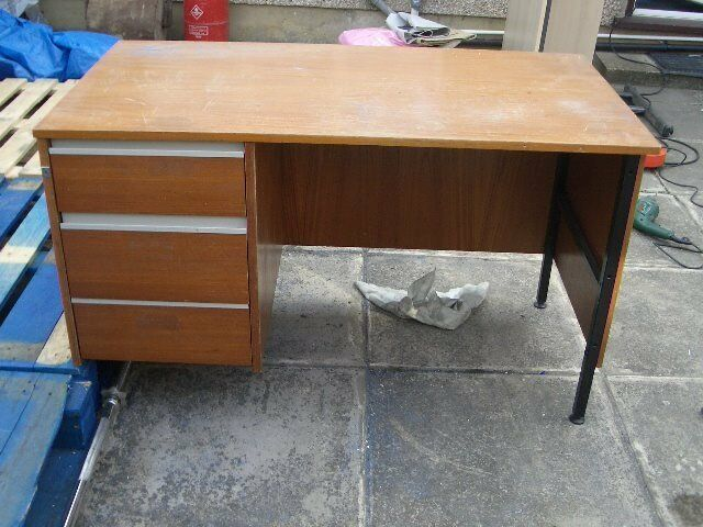 Office Desk With 3 Side Drawers
