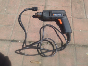 Black and Decker drill D500 works no bits