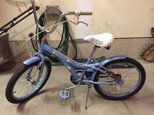 Girls Bikes - Suitable for a 7-10 year old.  Good condition.
