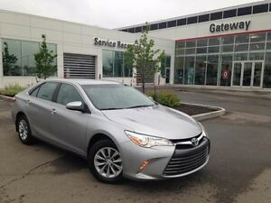 2016 Toyota Camry LE, Back Up Cam, USB/AUX input, Steering wheel