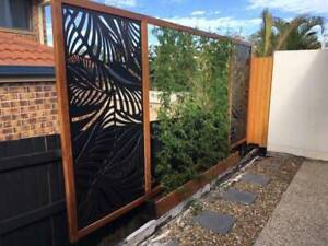 Vertical Garden with 2 privacy panels solid hardwood construction