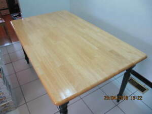 Classic Solid Wood Pine 3'x5'  Table and four chairs Circa 1999