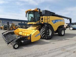2011 New Holland CX8080 - HID's, 902hrs sep, 24mos interest free