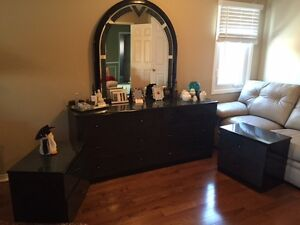 King size marbled green and black bedroom set (multiple pieces)