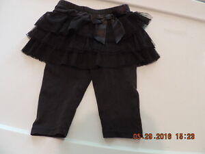 Girl's size 12months Leggins with Attached Tutu