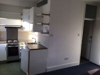 Bright Studio Flat - ALL BILLS INCLUDED- EVERYTHING inc free wifi!