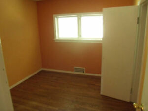 Un/furnished room in quiet, comfortable home