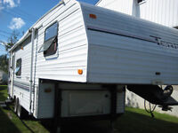 fifth wheel Terry 24pi 1997 de 4600lbs bonne état 6000$ négo