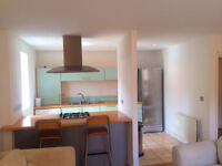 Spacious and modern 2 bed 2 bath apartment in heart of Bow available now ideal for sharers!