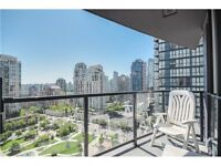 2BR, 2BA - 912ft2 - AMAZING VIEW, UNFIRNISHED, YALETOWN APART