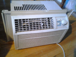 DANBY DAC5078M 5050BTU WINDOW AIR CONDITIONER