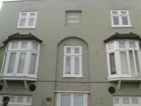 S.C 2 DOUBLE BEDROOM FLAT WITH 2 BATHROOMS 5 MIN WALK TO TUBE&B.R 10MIN WALK TO RICHMOND PARK NO DSS
