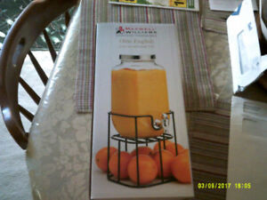 English Juice Jar & Stand with Spout New Never Used or open.