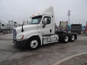 2011 Freightliner Cascadia CA125 Day Cab