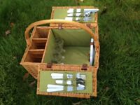 Picnic Hamper with 4 place settings
