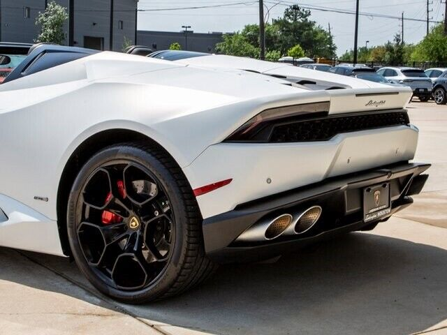 Image 8 Voiture Européenne d'occasion Lamborghini Huracan 2017