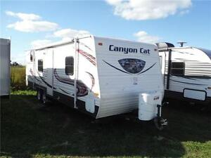2015 Canyon Cat 27FQC Ex rental Trailer w Bunkbeds & warranty!