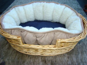 Soft and Cozy Small Pet Bed