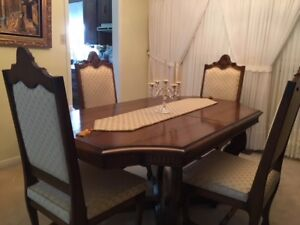 Dinning Room Set for Sale - Hamilton Area