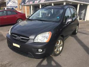 Kia Rondo 2008 EX 4 Cylindres 7 passagers Cuir Toit 3200$
