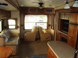 REDUCED!!!  Big Horn Titanium TI34 Fifth Wheel, LOCAL TRADE