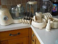 Philips Cucina HR7727 food processor with attachments, hardly used.