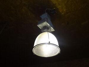 10 High Bay metal Halide industrial lights for sale Cornwall Ontario image 3