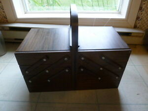 VINTAGE 3 TIER WOOD FOLD OUT ACCORDIAN SEWING BOX
