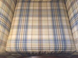 PERFECT CONDITION  LOVE SEAT & CLUB CHAIR Kawartha Lakes Peterborough Area image 6