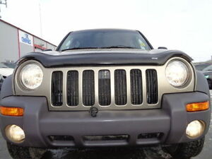 2004 Jeep Liberty SPORT 4X4--3.7L V6 -EXCELLENT SHAPE IN AND OUT