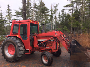 International 785 Farm Tractor with Loader and Forks