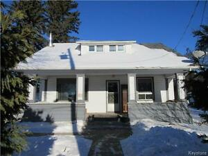 Character home (5 BR) on large yard in Strathclair MB!