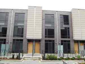 :Beautifully Designed Contemporary Look Executive 3 L Townhouse