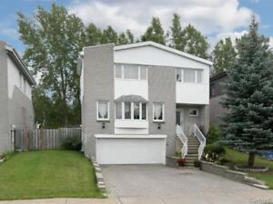 Gorgeous detached house next to Fairview ! Pointe-claire a louer