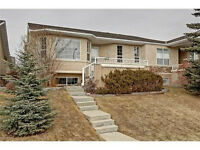 Gorgeous pet friendly Villa in SW Calgary