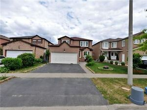 4BR 3WR Detached House for Rent in Brampton Shoppers World
