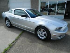 2014 FORD MUSTANG CAR IS MINT (CLEAN CLEAN CLEAN )26 000KMS