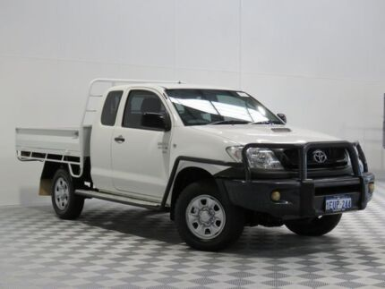 2011 Toyota Hilux KUN26R MY11 Upgrade SR (4x4) White 5 Speed Manual Extracab Atwell Cockburn Area Preview