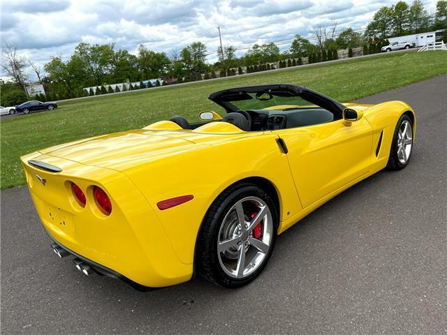 2008 Yellow Chevrolet Corvette  3LT | C6 Corvette Photo 4